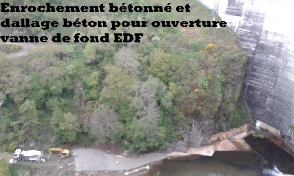 Enrochement bétonné et dallage béton pour ouverture vanne de fond EDF