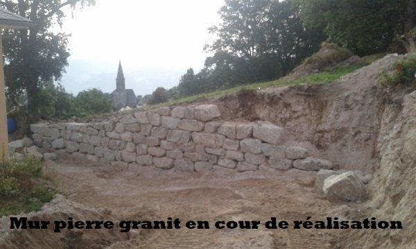 Mur pierre granit en cour de realisation