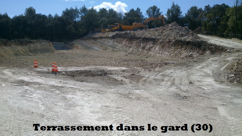 Terrassement dans le Gard (30)
